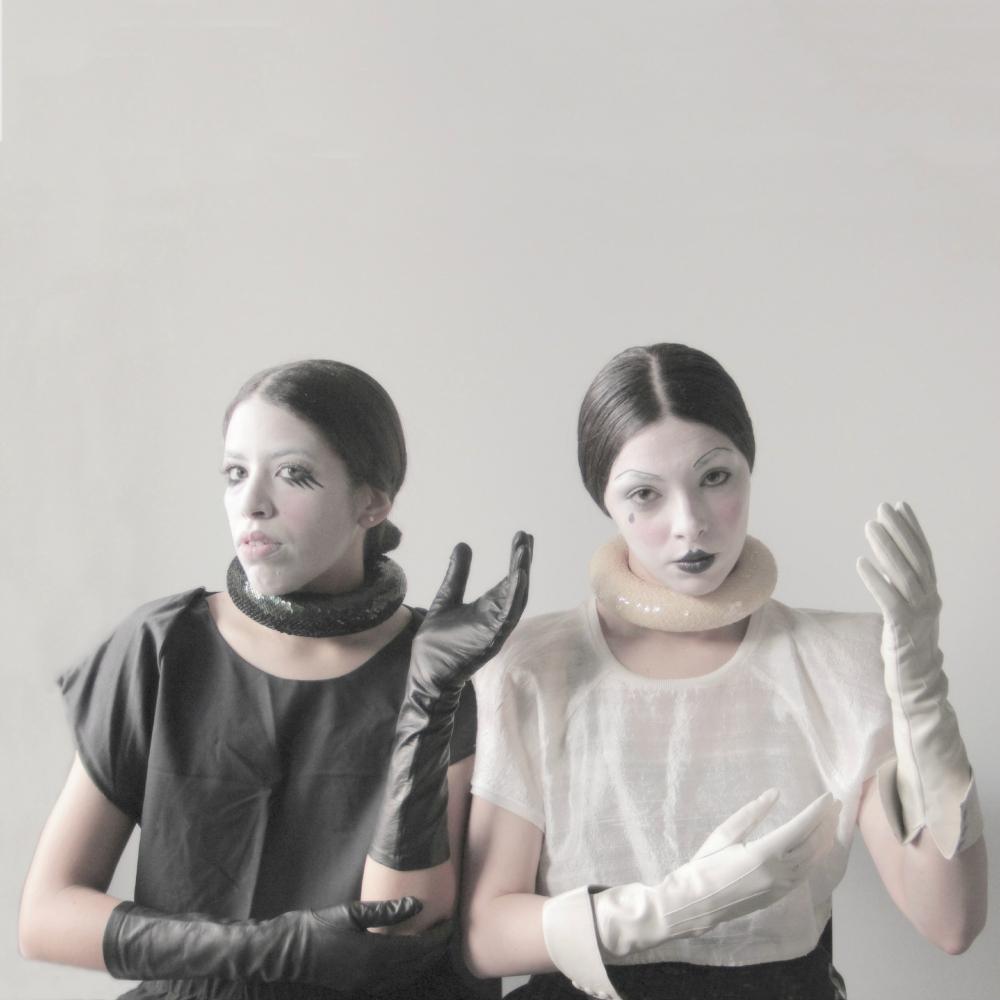 rocaille-lisa-pierrot-merola-gloves-guanti