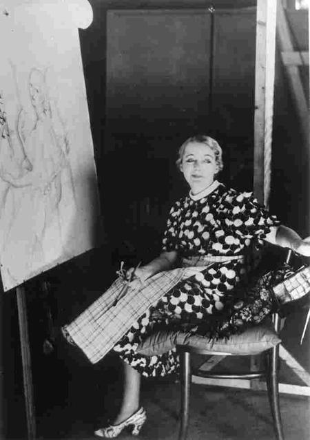 Portrait de Gerda Wegener en train de peindre la réalisatrice Alice O'Frederiks