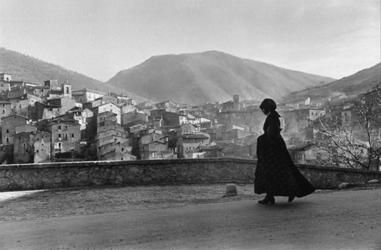 ITALY. Abruzzo. Scanno. 1951.