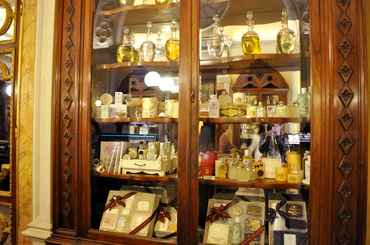 rocaille-blog-officina-profumo-farmaceutica-santa-maria-novella-shop-negozio-storico-sede-firenze-71