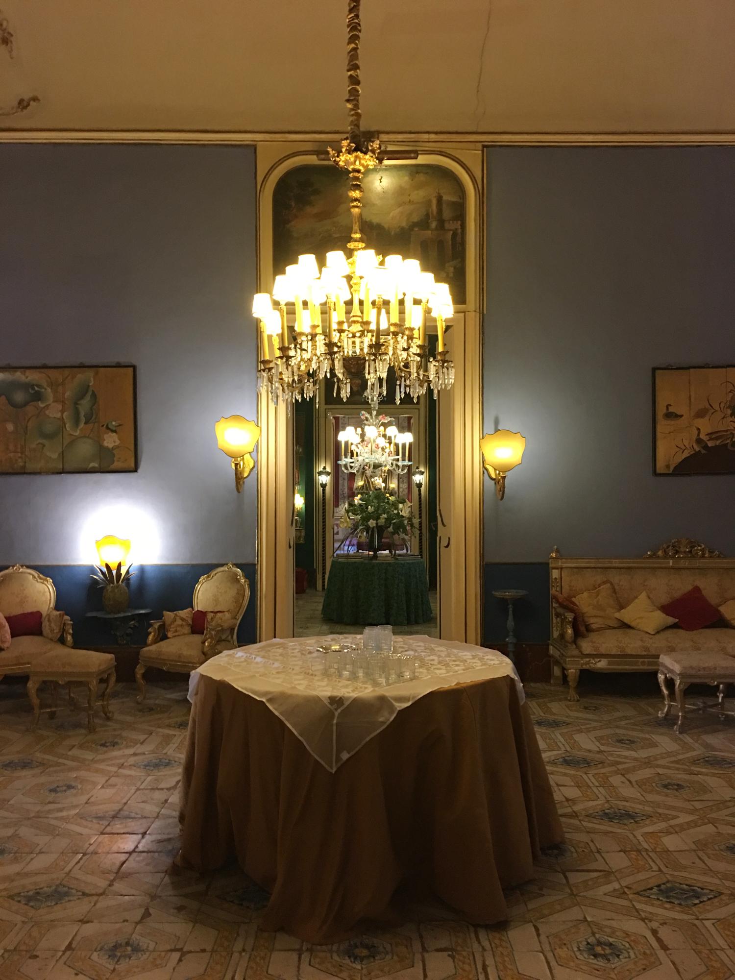 rocaille-blog-palermo-palazzo-ajutamicristo-1
