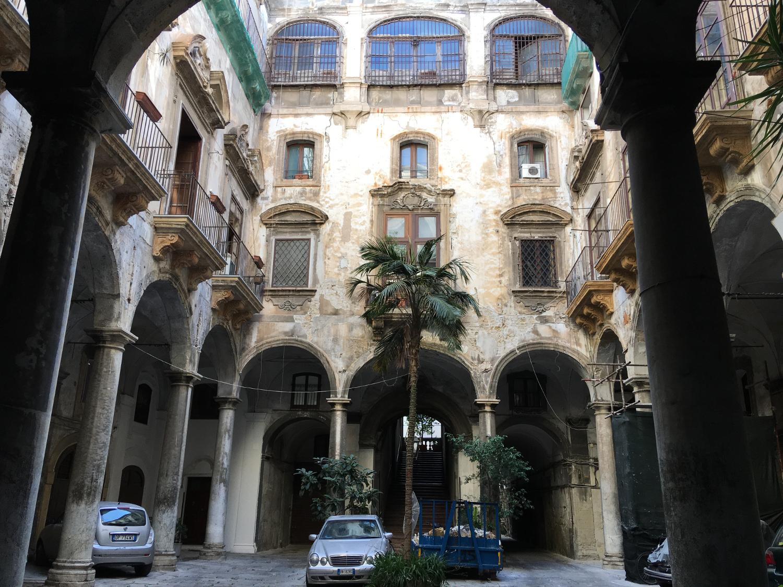 rocaille-blog-sicilia-palermo-ex-palazzo-cuto-scalone-71