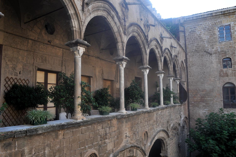 rocaille-blog-sicilia-palermo-palazzo-ajutamicristo-6