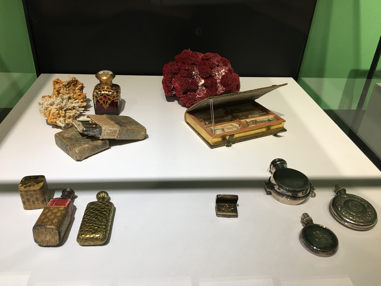 rocaille-blog-venezia-palazzo-mocenigo-cabinet-of-curiosities-collezione-storp-profumo-16
