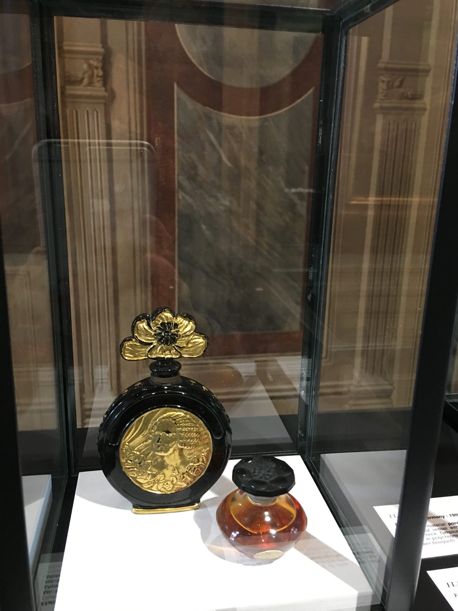 rocaille-blog-venezia-palazzo-mocenigo-cabinet-of-curiosities-collezione-storp-profumo-26