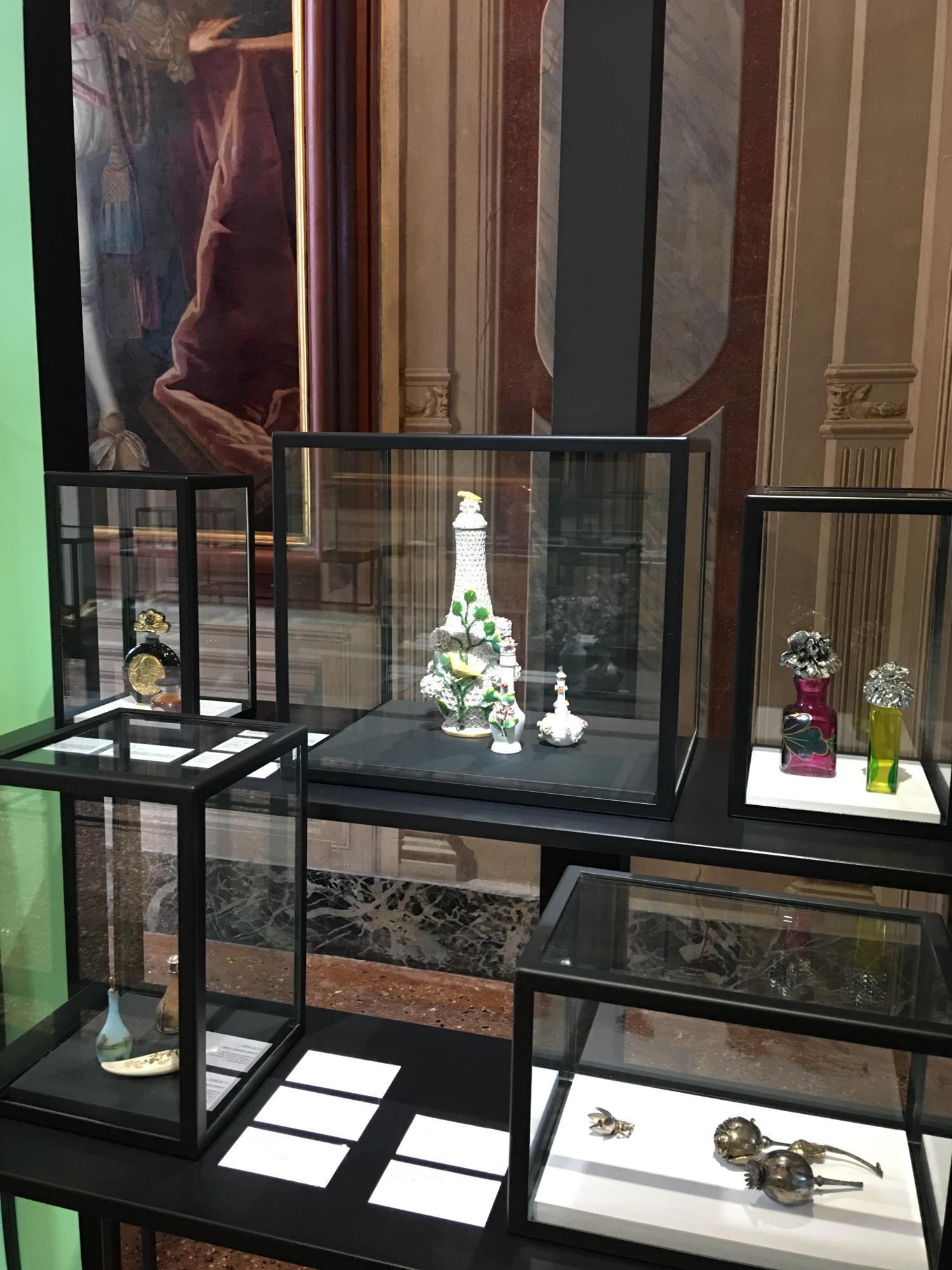 rocaille-blog-venezia-palazzo-mocenigo-cabinet-of-curiosities-collezione-storp-profumo-28
