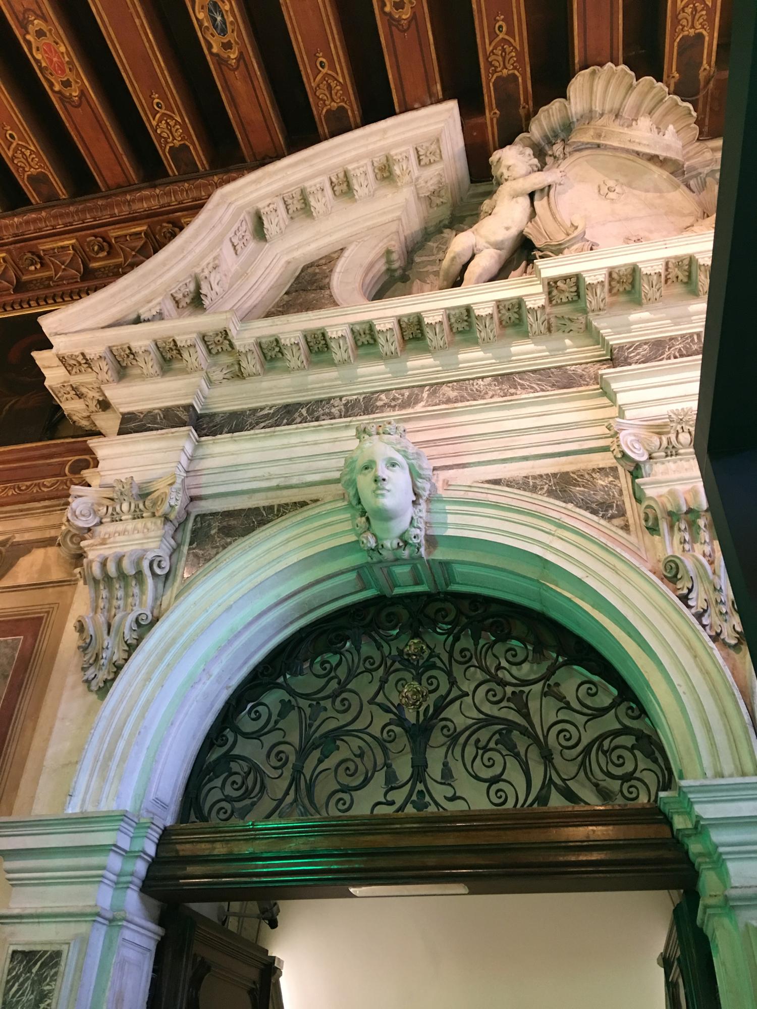 rocaille-blog-venezia-palazzo-mocenigo-cabinet-of-curiosities-collezione-storp-profumo-6