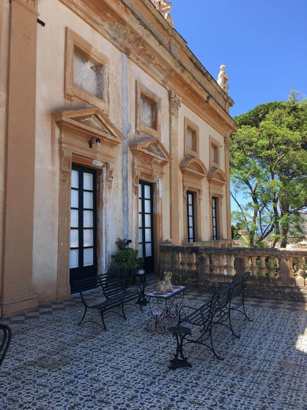 rocaille-blog-villa-valguarnera-bagheria-sicilia-salone-ercole-11-e1584568714147