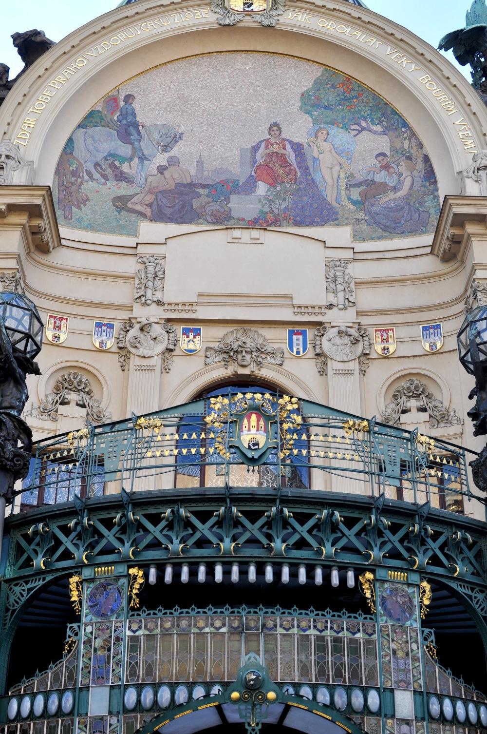 rocaille-town-house-art-nouveau-prague