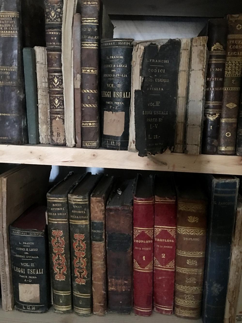 Villa-Valguarnera-biblioteca-Baghera-Sicilia-rocaille-blog-6