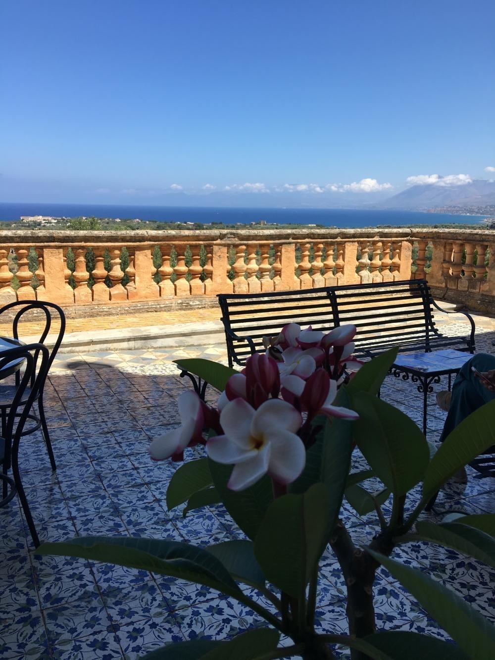 rocaille-blog-villa-valguarnera-bagheria-sicilia-salone-ercole-10-e1584568730100